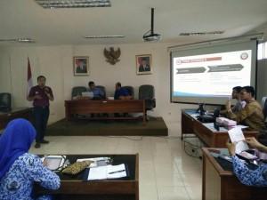 Foto Presentasi PPDI dr Fery di Cirebon 21 April 2016